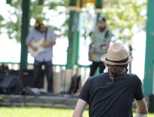 Live Music Sundays at Finkle's Shore Park near Kingston